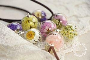Круглое ожерелье с цветами